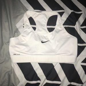[Nike] sports bra